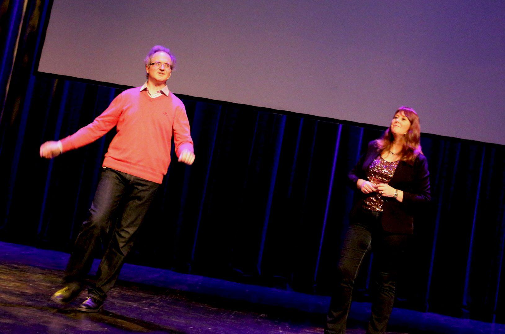 Knut Jørgen Røed Ødegaard og Anne Mette Sannes var på Ris skole 14.09.2017 FOTO: https://arendalstidende.no/kultur/tyngdekraften-rammet-astronomiekteparet-ekstra/