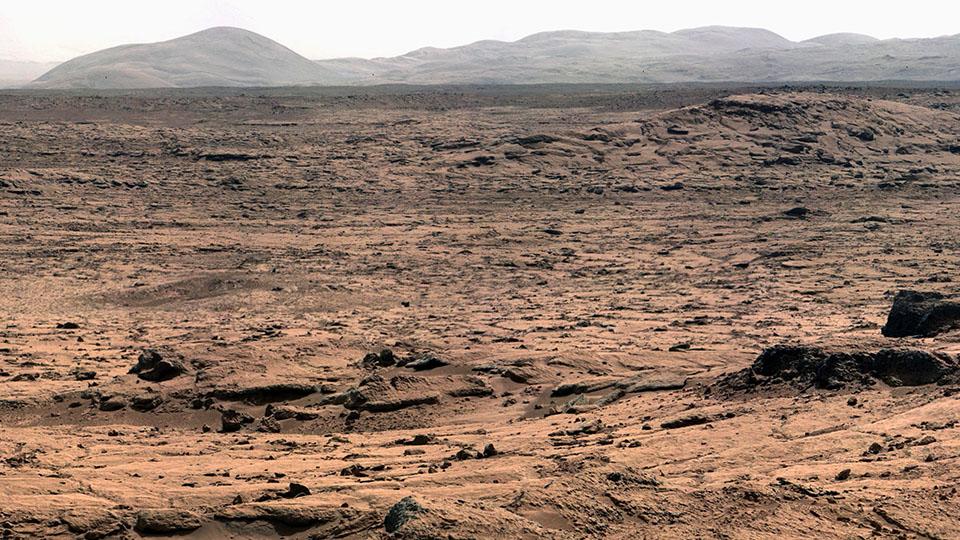Hvis du vil bo på Mars, her er landskapet du vil se resten av livet ditt. FOTO: https://www.engadget.com/2015/06/23/the-road-to-mars-nasas-next-30-years/
